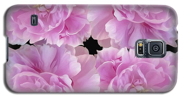 Galaxy S5 Case featuring the photograph Pretty In Pink by Linda Constant