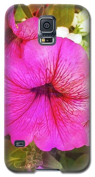 Pretty Pink Petunias Galaxy S5 Case
