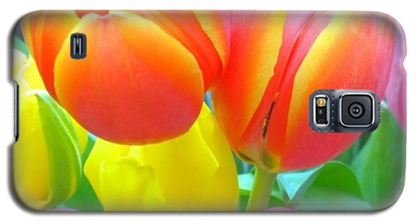 Pretty #spring #tulips Make Me Smile Galaxy S5 Case by Shari Warren