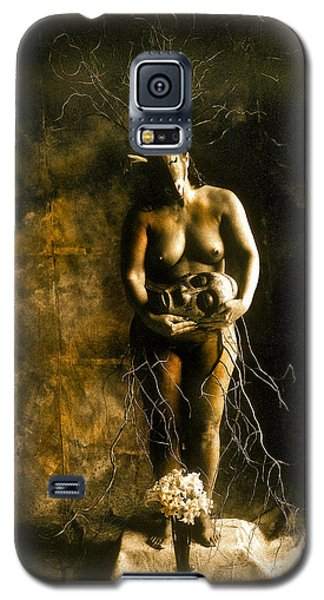 Primitive Woman Holding Mask Galaxy S5 Case