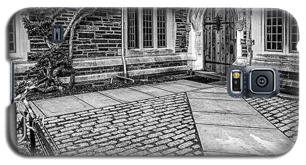 Galaxy S5 Case featuring the photograph Princeton University Foulke Hall Bw by Susan Candelario