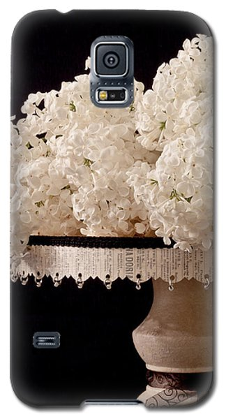 Pristine Lilacs On A Music Pedestal Galaxy S5 Case
