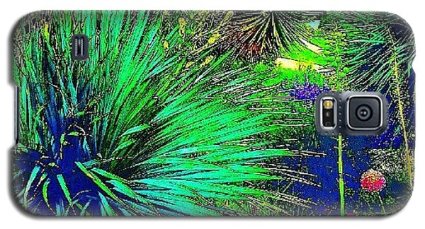 Psychedelic Yuccas. #plant #yucca Galaxy S5 Case by Austin Tuxedo Cat