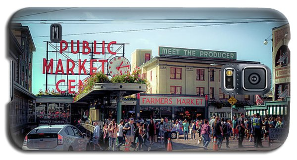 Galaxy S5 Case featuring the photograph Public Market Crowd by Spencer McDonald