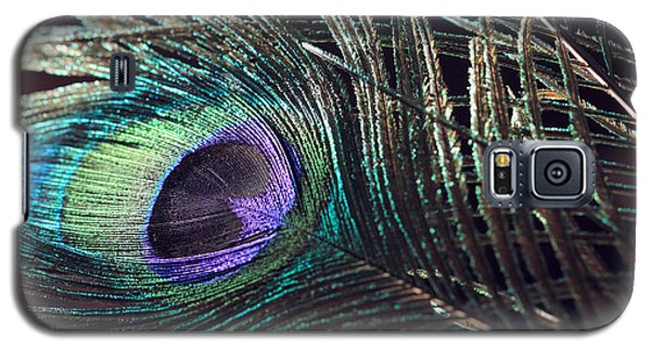 Purple Feather With Dark Background Galaxy S5 Case