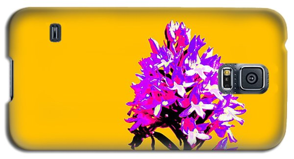 Orange Pyramid Orchid  Galaxy S5 Case by Richard Patmore