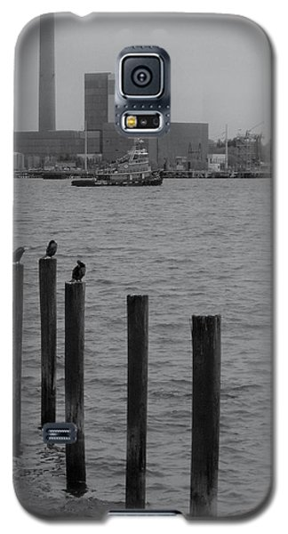 Galaxy S5 Case featuring the photograph Q. River by John Scates