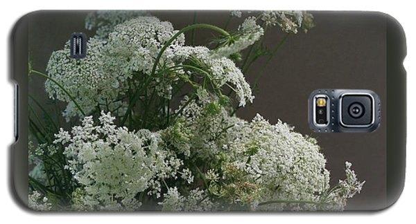 Galaxy S5 Case featuring the photograph Queen's Bouquet by Patricia Overmoyer