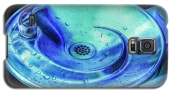 Galaxy S5 Case featuring the photograph Quenched by Paul Wear