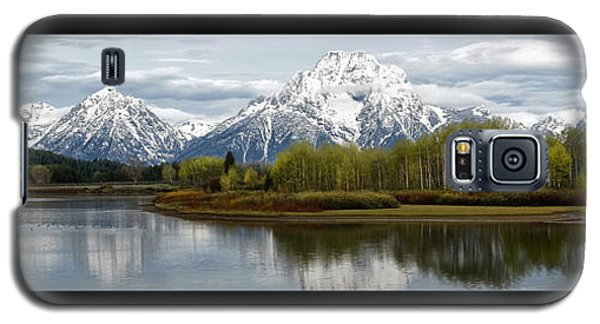 Galaxy S5 Case featuring the photograph Quiet Morning At Oxbow Bend by Jaki Miller