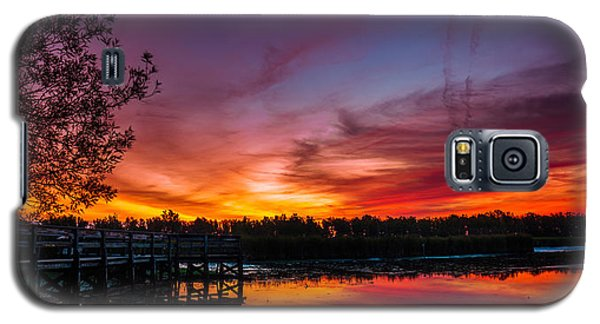 Galaxy S5 Case featuring the photograph Rabbit Run Aurora by Chris Bordeleau