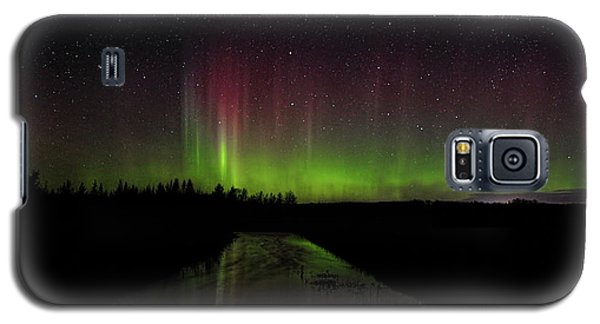 Red And Green Aurora Pillars Galaxy S5 Case