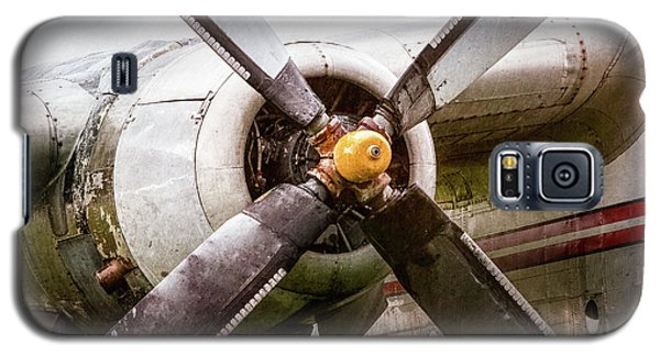 Galaxy S5 Case featuring the photograph Radial Engine And Prop - Fairchild C-119 Flying Boxcar by Gary Heller