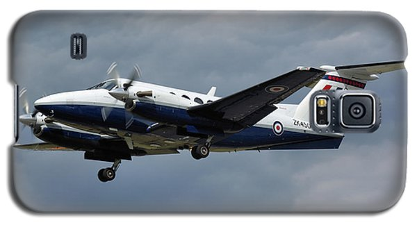 Galaxy S5 Case featuring the photograph Raf Beech King Air 200  by Tim Beach