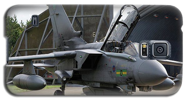 Galaxy S5 Case featuring the photograph Raf Panavia Tornado Gr4 by Tim Beach
