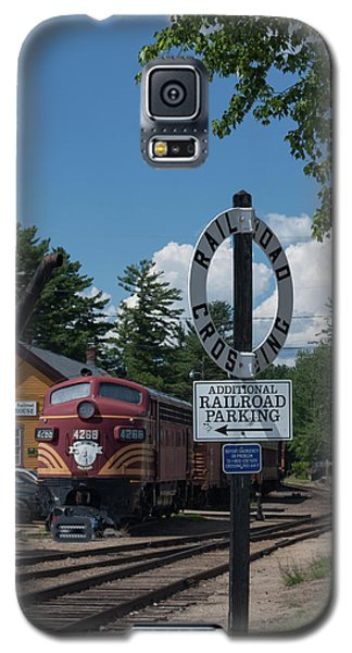 Galaxy S5 Case featuring the photograph Railroad Crossing by Suzanne Gaff