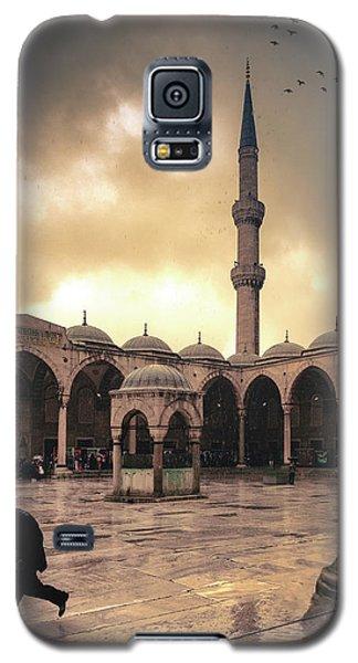 Rain At The Blue Mosque Galaxy S5 Case