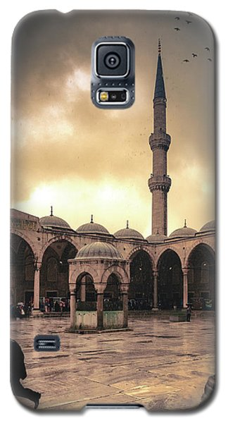 Rain At The Blue Mosque Galaxy S5 Case