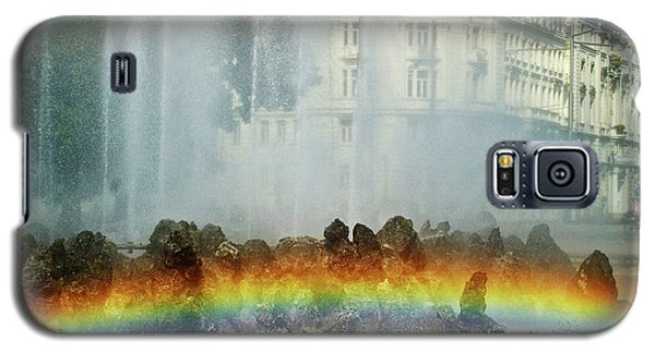 Galaxy S5 Case featuring the photograph Rainbow Fountain In Vienna by Mariola Bitner