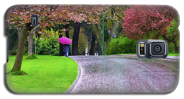 Rainy Day In The Park Galaxy S5 Case by Keith Boone