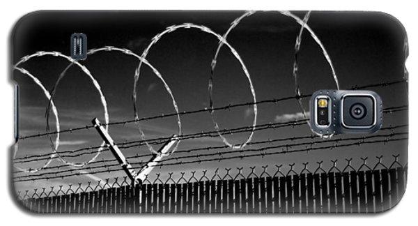Razor Wire In The Sun Galaxy S5 Case