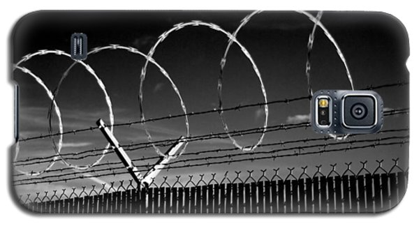 Razor Wire In The Sun Galaxy S5 Case