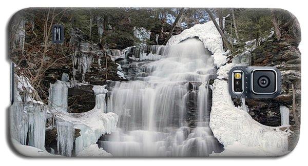 Receding Winter Ice At Ganoga Falls Galaxy S5 Case by Gene Walls