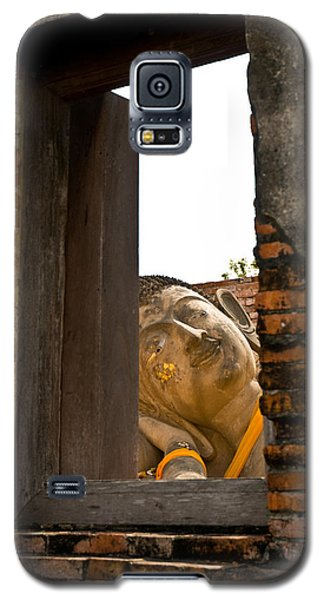 Reclining Buddha View Through A Window Galaxy S5 Case