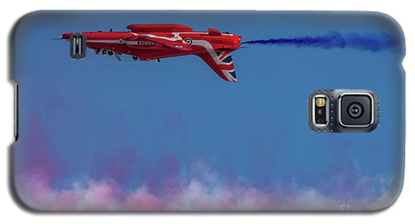 Galaxy S5 Case featuring the photograph Red Arrows Hawk Inverted  by Gary Eason