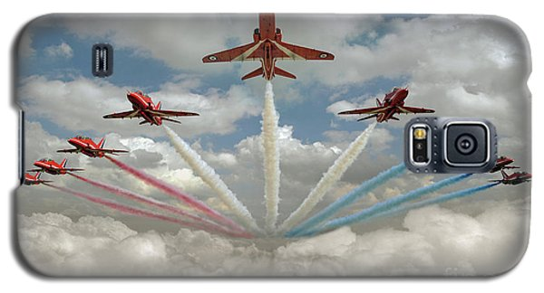 Galaxy S5 Case featuring the photograph Red Arrows Smoke On  by Gary Eason