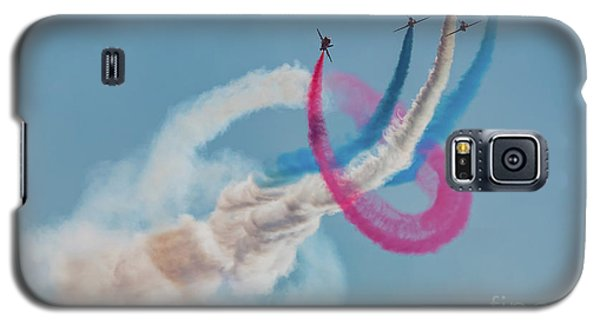 Galaxy S5 Case featuring the photograph Red Arrows Twister by Gary Eason