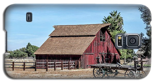 Red Barn And Wagon Galaxy S5 Case