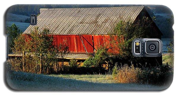 Red Barn Galaxy S5 Case by Douglas Stucky