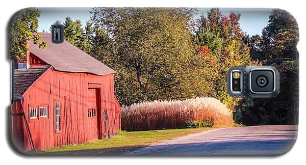 Red Barn In The Country Galaxy S5 Case