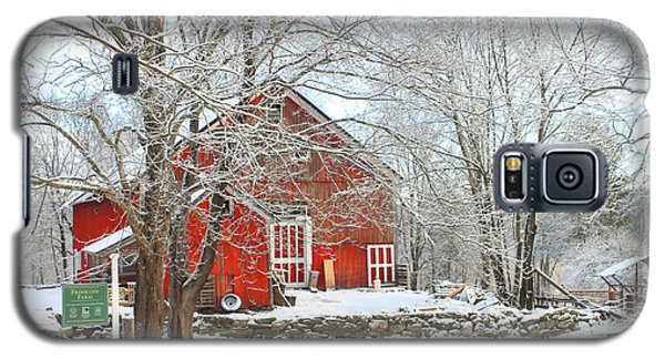 Red Barn In Winter Galaxy S5 Case by John Burk