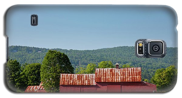 Galaxy S5 Case featuring the photograph Red Barn Near Quechee by Susan Cole Kelly