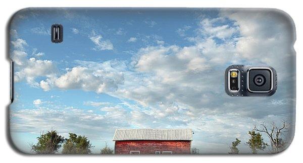 Red Barn On The Prairie Galaxy S5 Case