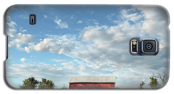 Red Barn On The Prairie Galaxy S5 Case