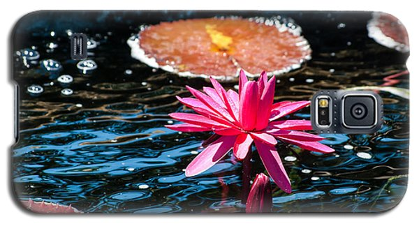 Red Blossom Water Lily Galaxy S5 Case