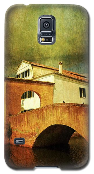 Galaxy S5 Case featuring the photograph Red Bridge With Storm Cloud by Anne Kotan