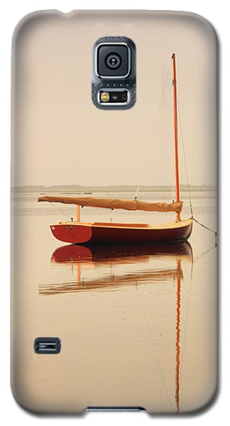 Red Catboat On Misty Harbor Galaxy S5 Case