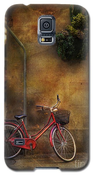 Galaxy S5 Case featuring the photograph Red Crown Bicycle by Craig J Satterlee
