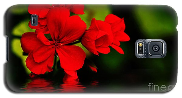 Red Geranium On Water Galaxy S5 Case by Kaye Menner