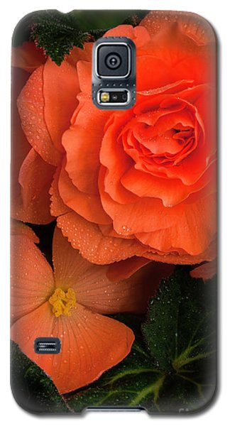 Red Giant Begonia Ruffle Form Galaxy S5 Case