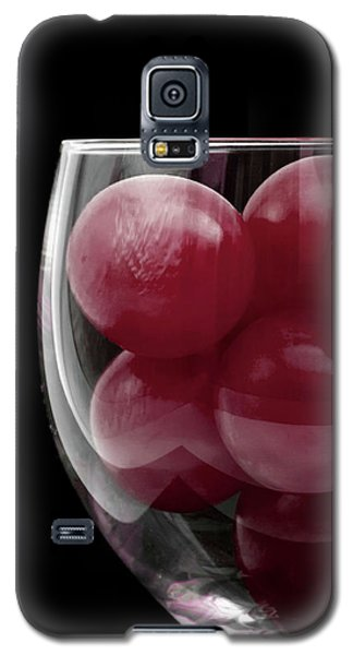 Red Grapes In Glass Galaxy S5 Case
