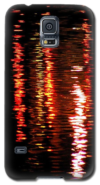 Galaxy S5 Case featuring the photograph Red Light by David Dunham