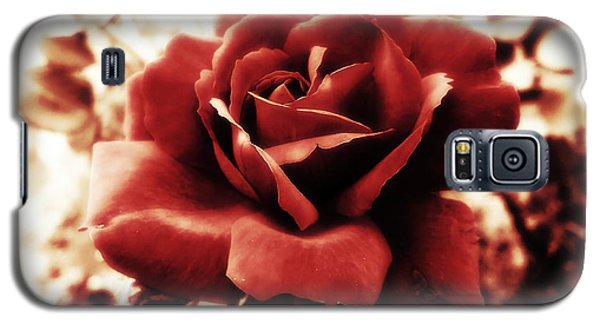 Red Petals Galaxy S5 Case