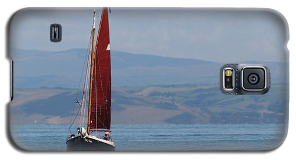 Galaxy S5 Case featuring the photograph Red Sail by Richard Patmore