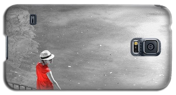 Galaxy S5 Case - Red Shirt, Black Swanla Seu, Palma De by John Edwards