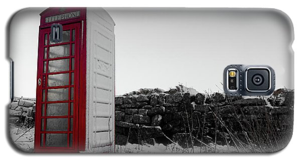Red Telephone Box In The Snow Vi Galaxy S5 Case